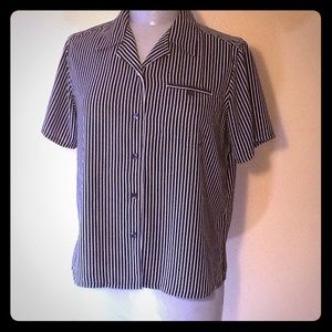Laura Scott black short sleeve striped blouse